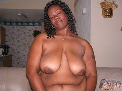 Big Black BBW Woman Modeling Nude - TrueAmateurModes.com
