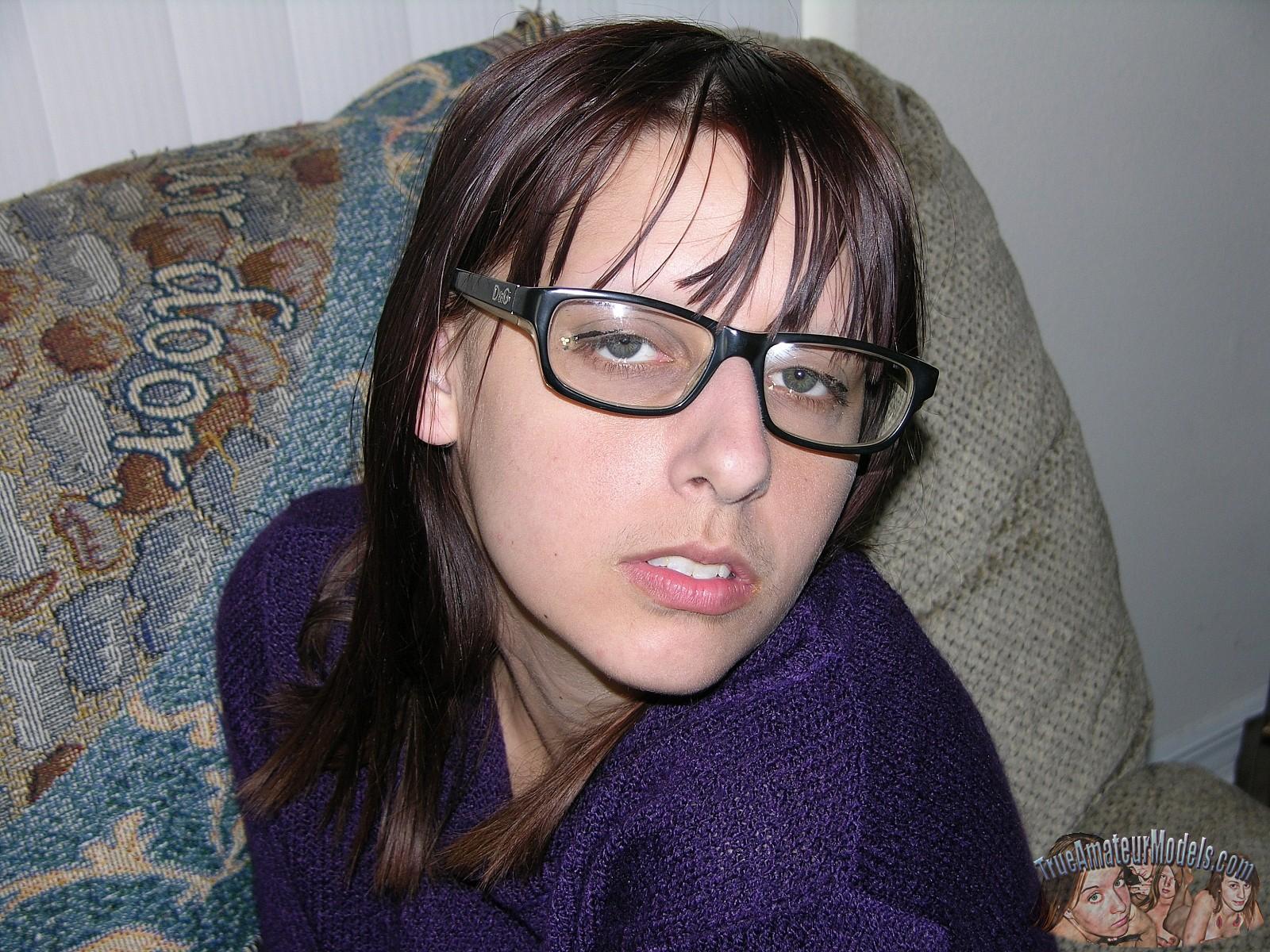 trueamateurmodels alice m promo glasses 0920