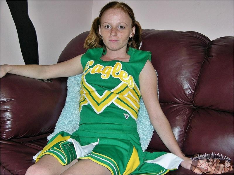 tommys links to nude cheerleader jpg 1500x1000