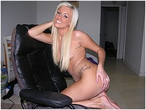 Hot Blonde Girl Modeling Nude - Brooklyn - Picture 11