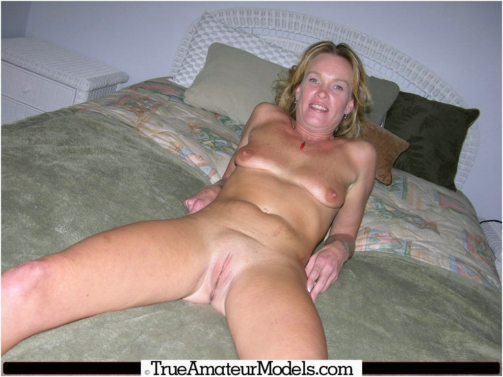 Older Women Nude Galleries