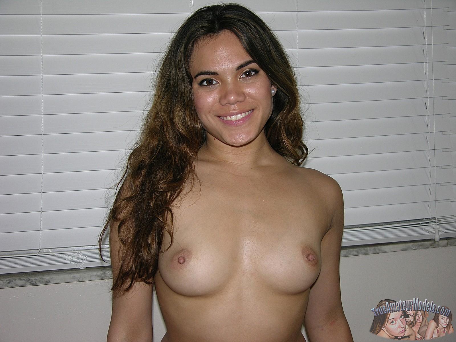 Amateur Hispanic Modelmodels On Nude