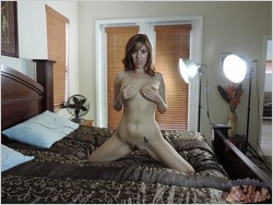 Lauren Phillips Nude Modeling Porn Shoot - True Amateur Models