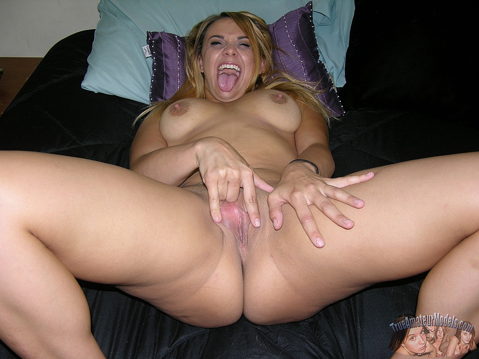 Cute nude amateurs
