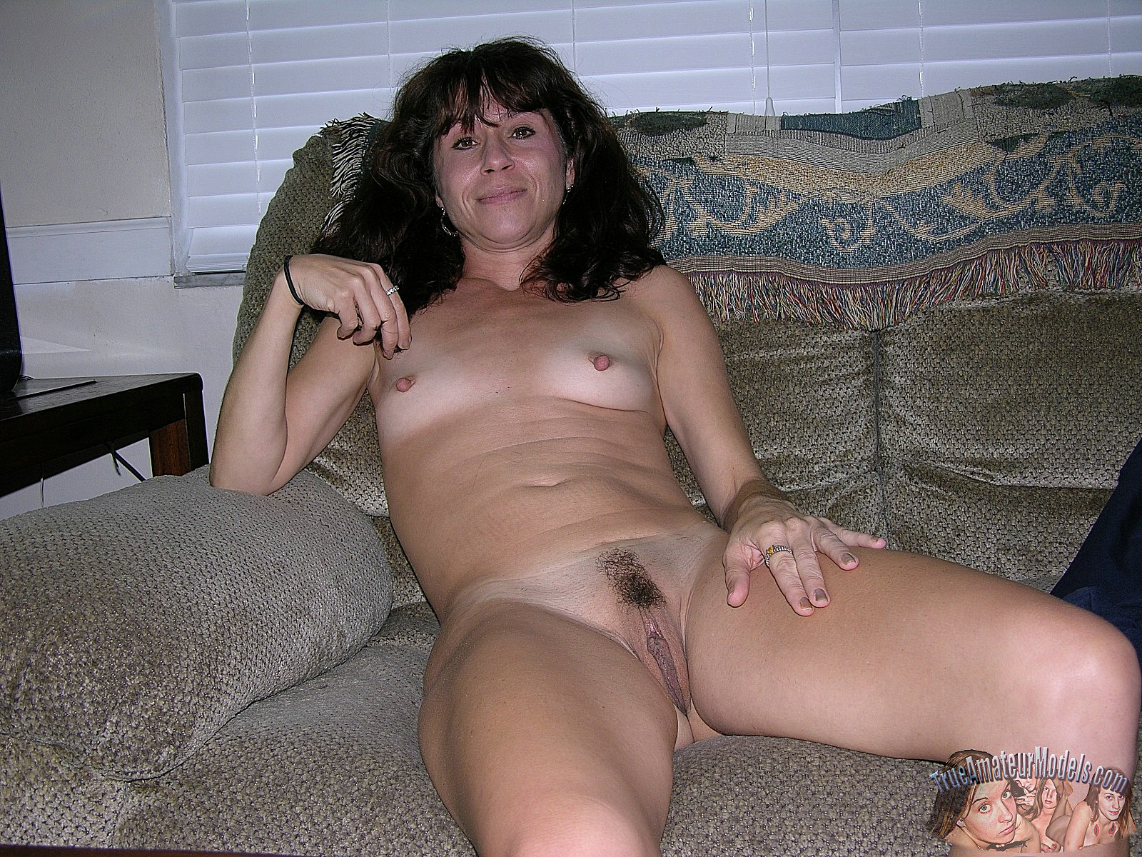 old nude sexy mom amateur