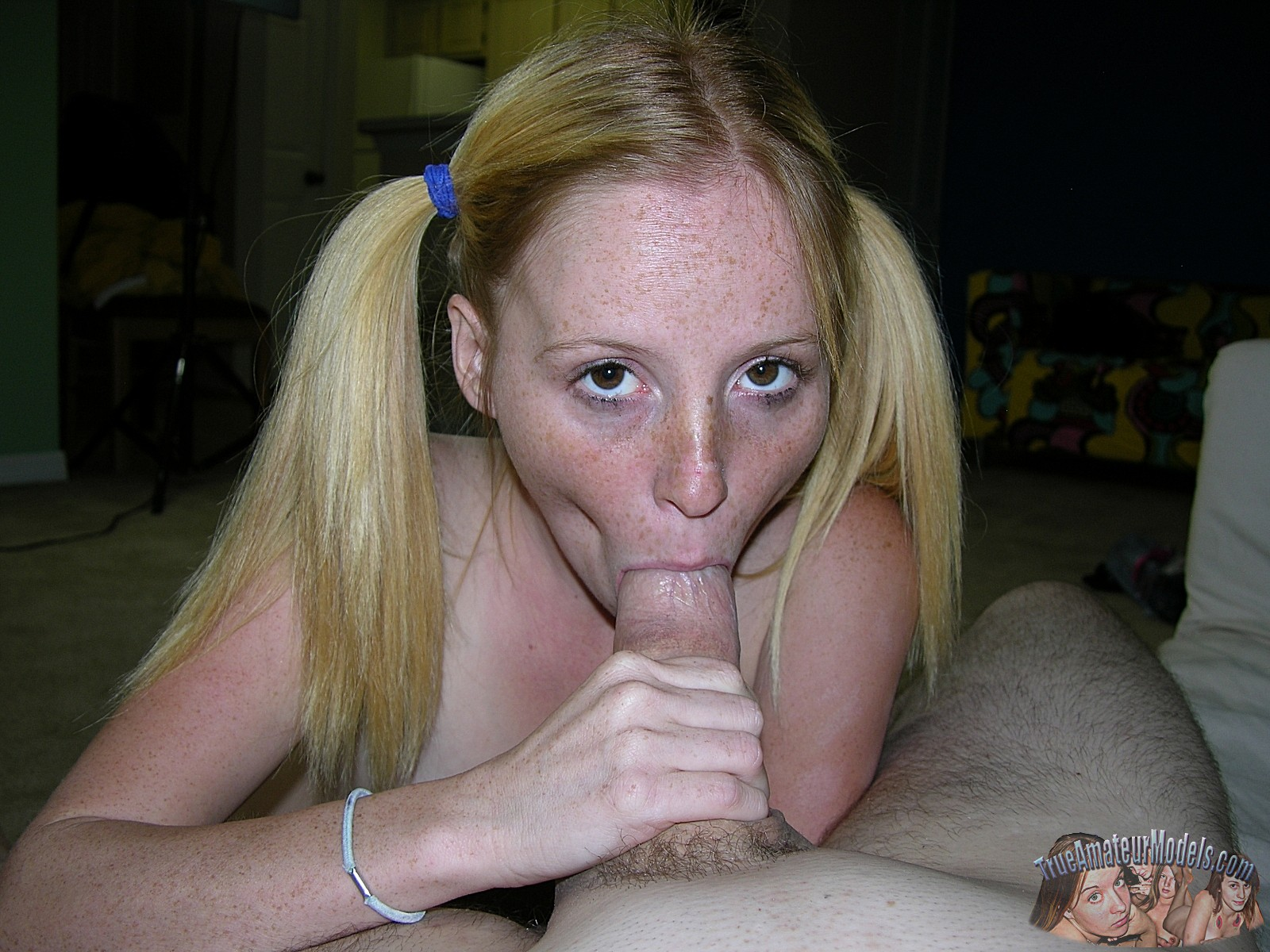 heather huntley is a dirty blonde getting her mouth and juicy tw