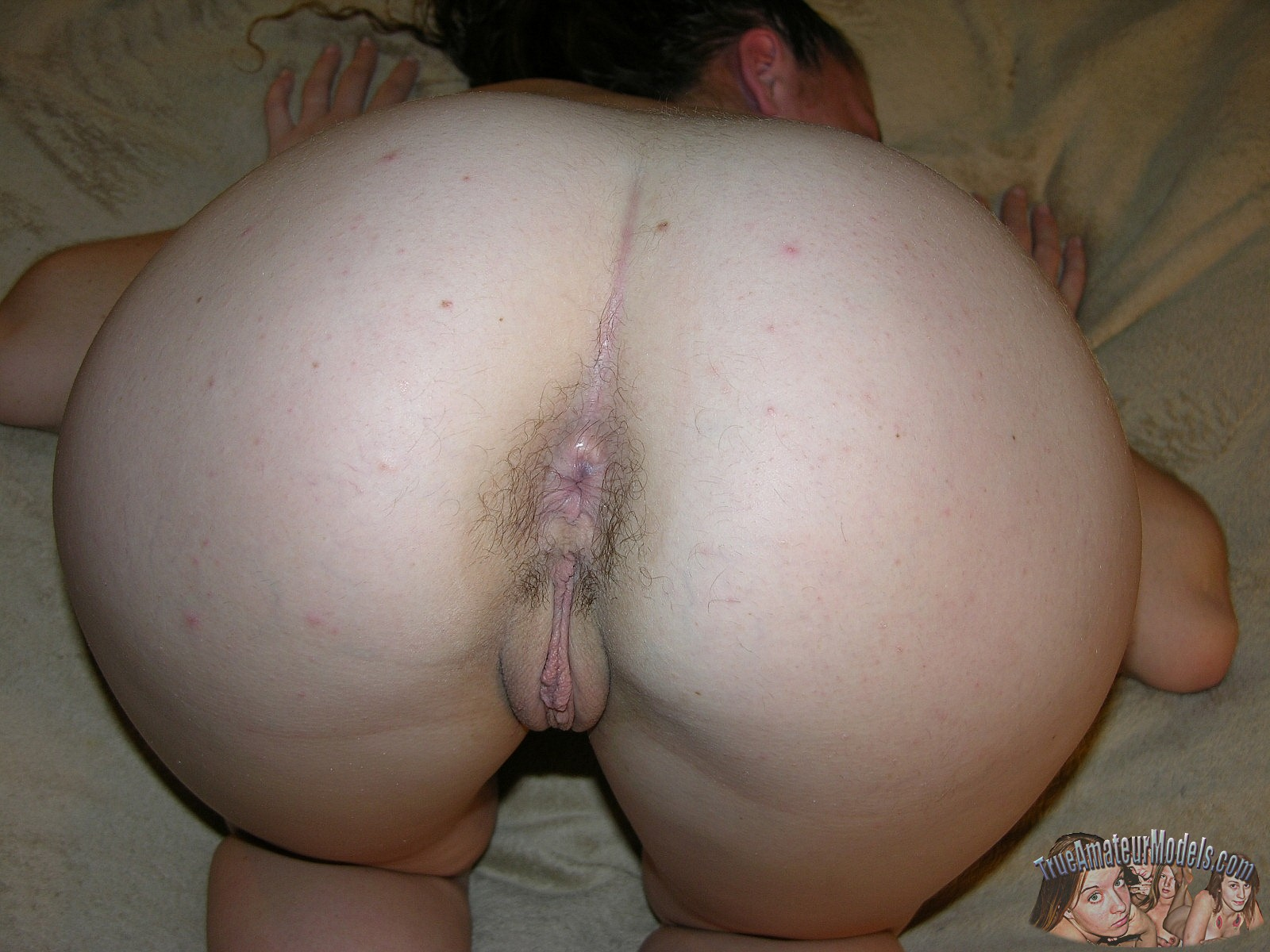 Hairy amateur butt women