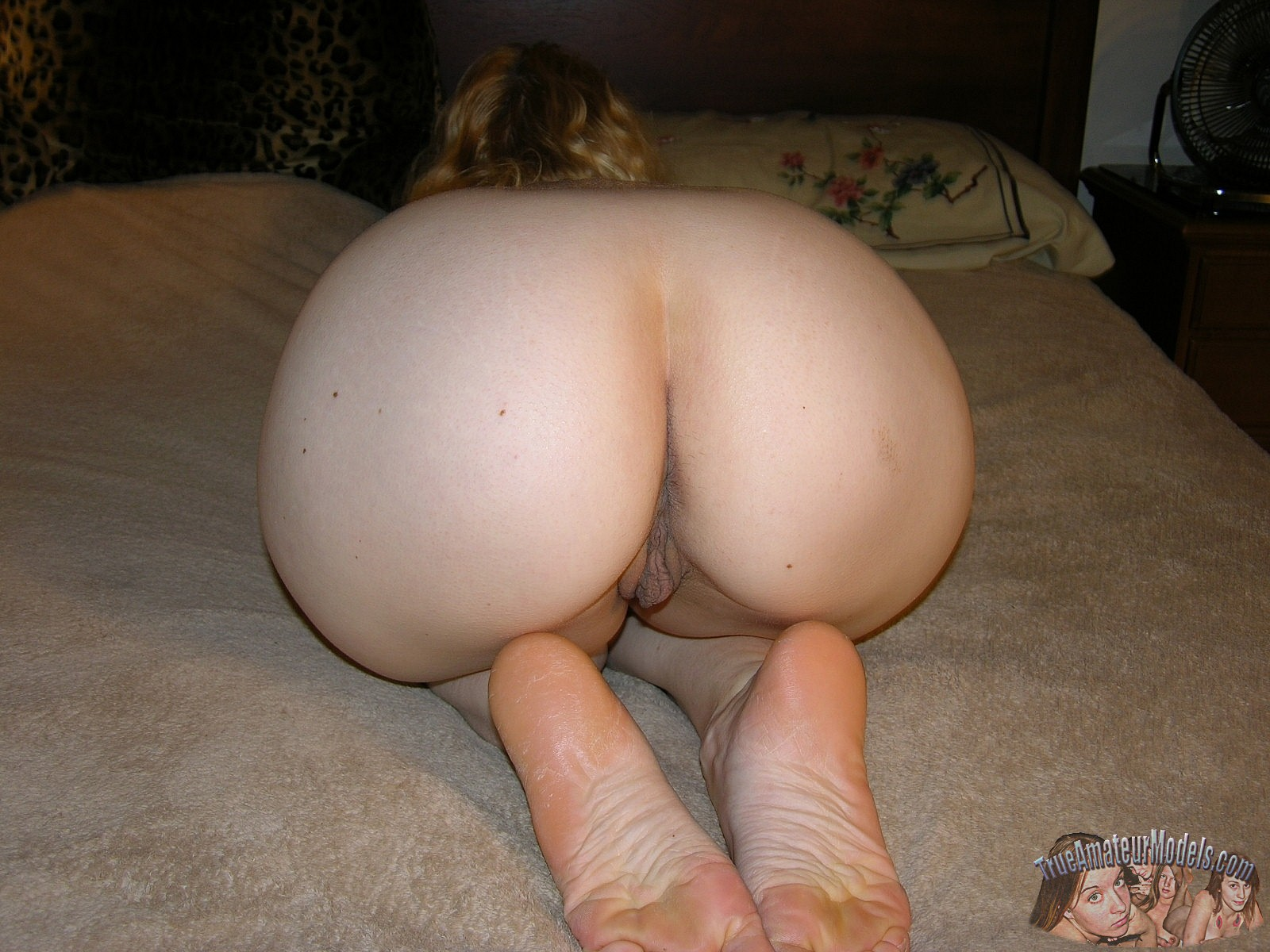 Ass and feet pictures