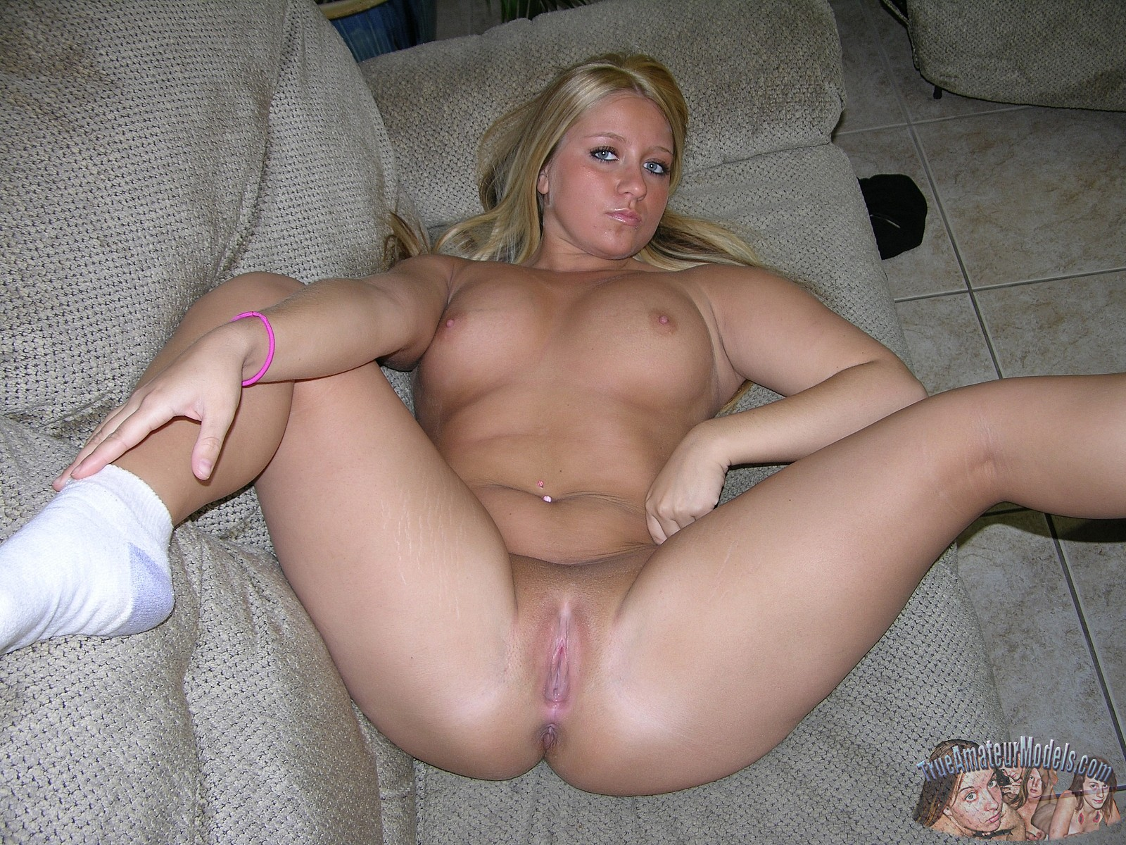 amature college blonde porn