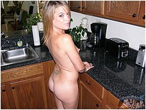 Blonde Amateur Milf Carlie - Picture 10