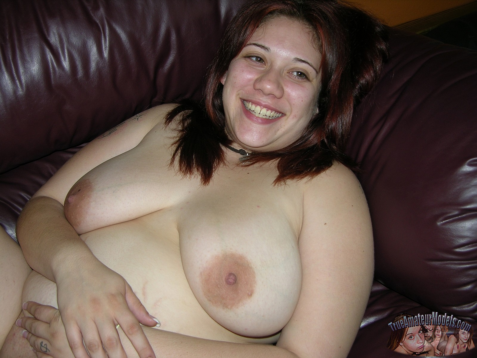 Nude fat spreading pussy message me....we