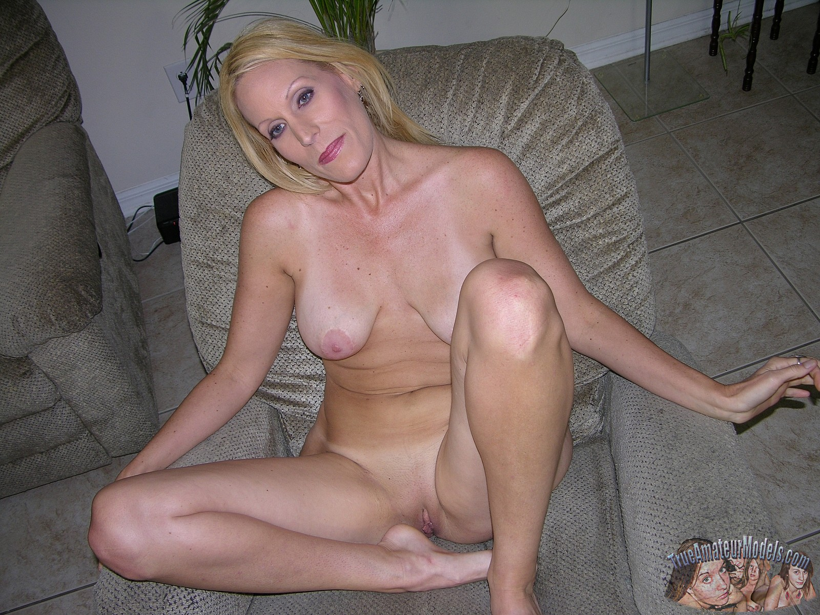 Milf pinched tit fingered video